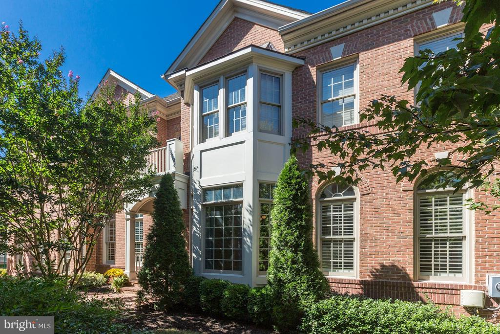 12796  FOX KEEP RUN, one of homes for sale in Fairfax