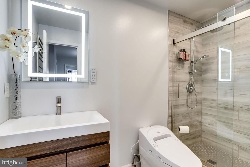 Photo of 1211 S Eads St #1904
