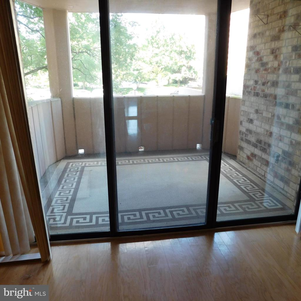 Photo of 5902 Mount Eagle Dr #209