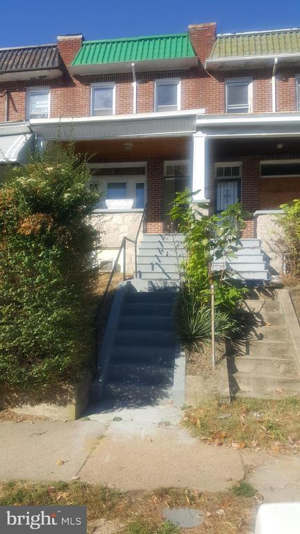 Great investor property or starter home for a homeowner. Lots of updates, hardwood floors throughout, replacement windows, artificial fireplace in living room. Formal dining room and a finished lower level with a full bath!