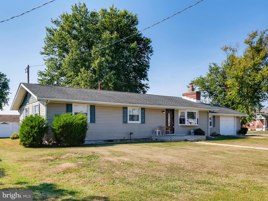 Beautiful rancher on a third of an acre lot in Edgemere.  Has 4 bedrooms and 1 1/2 bathrooms on one level.  There is an unfinished basement for storage or could be converted into additional living space.  One level living in a water oriented community!