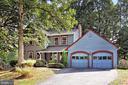 9603 Chapel Hill Dr