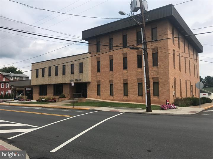400 MAIN STREET, RED HILL, PA 18076