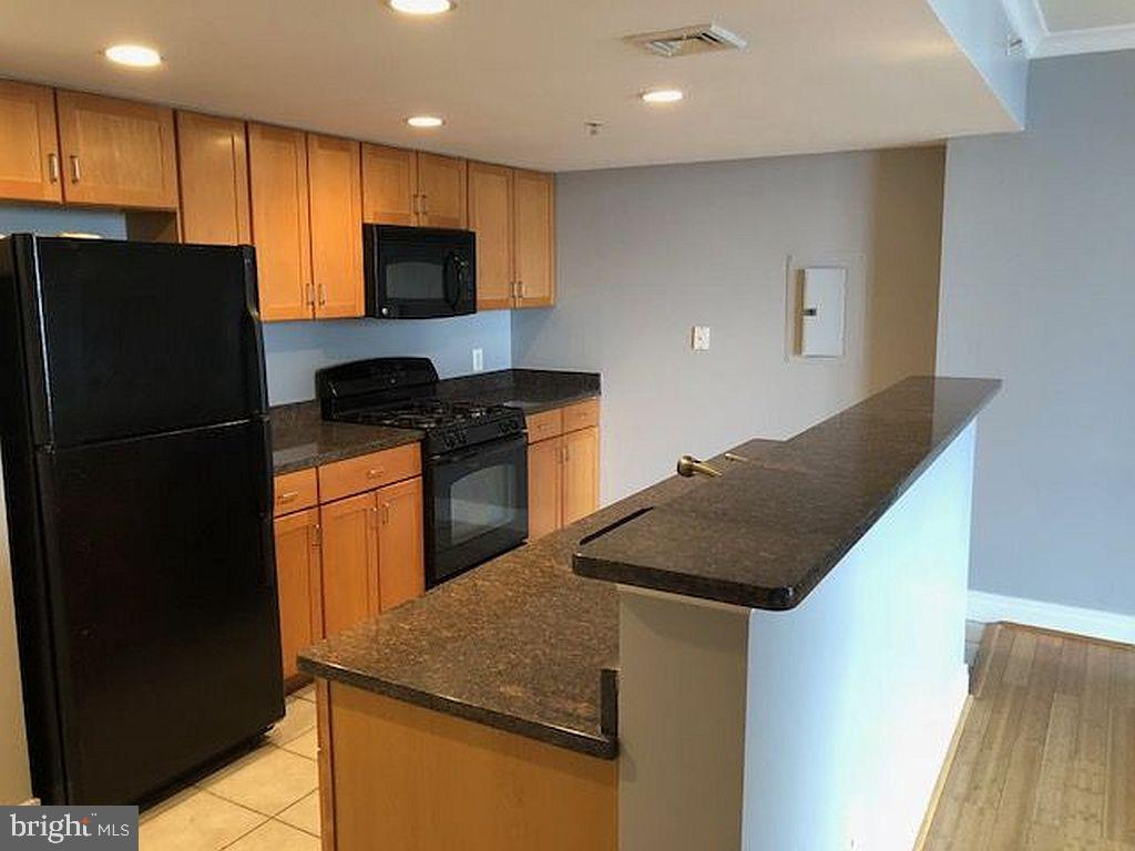 Enjoy living in convenient and well kept condo in tthe heart of the city. Tons of walk ability with easy access to major roads I95, 295, 83 as well as Johns Hopkins, Univ of MD and much more. Owned by experienced and 'easy to work with' landlord. Enjoy relaxing and entertaining on private balcony overlooking the inner harbor from the 19th Floor! Easy living in this nearly 1100 SF condo showcasing split bedroom design for ultimate privacy while have common area central in unit. Gas fireplace accents Family Room along with Flat Panel Wall TV. Bamboo floors, fully functional kitchen, 2 full bath, and washer & dryer in unit. Full-service building with 24-hour desk, rooftop pool, internet business center, state-of-the-art gym, and club room. Assigned covered garage parking included in attached garage. Additional parking available. Enjoy the high-rise lifestyle from the top of one of the most popular inner harbor condos! Garage Parking, Gas, Water & Sewer INCLUDED in rent price.