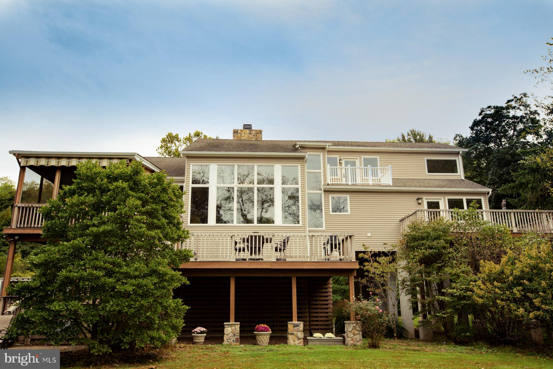 15 RIVER ROAD, FRENCHTOWN, NJ 08825