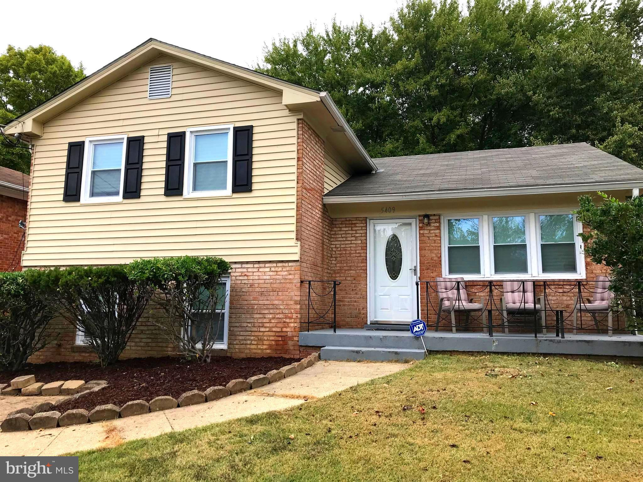 Fully Renovated in 2017!  4 Br. 3 Ba., New Stainless Steel Appliances, Granite Counter Tops, Hardwoods, New Windows, Roof, and Baths.  Huge Backyard with Plenty of Shade. Off Street Parking for 4 Cars. Fireplace.  Convenient Location.   Back on the Market!   Short Sale was approved!!  Pending Release.