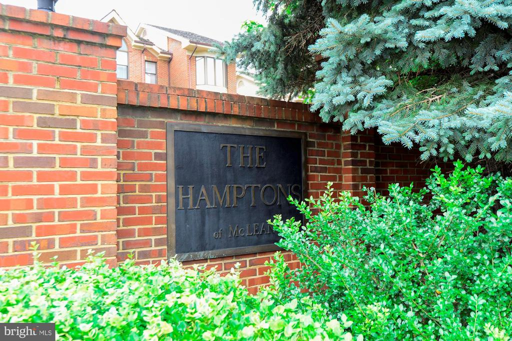Photo of 1486 Hampton Hill Cir