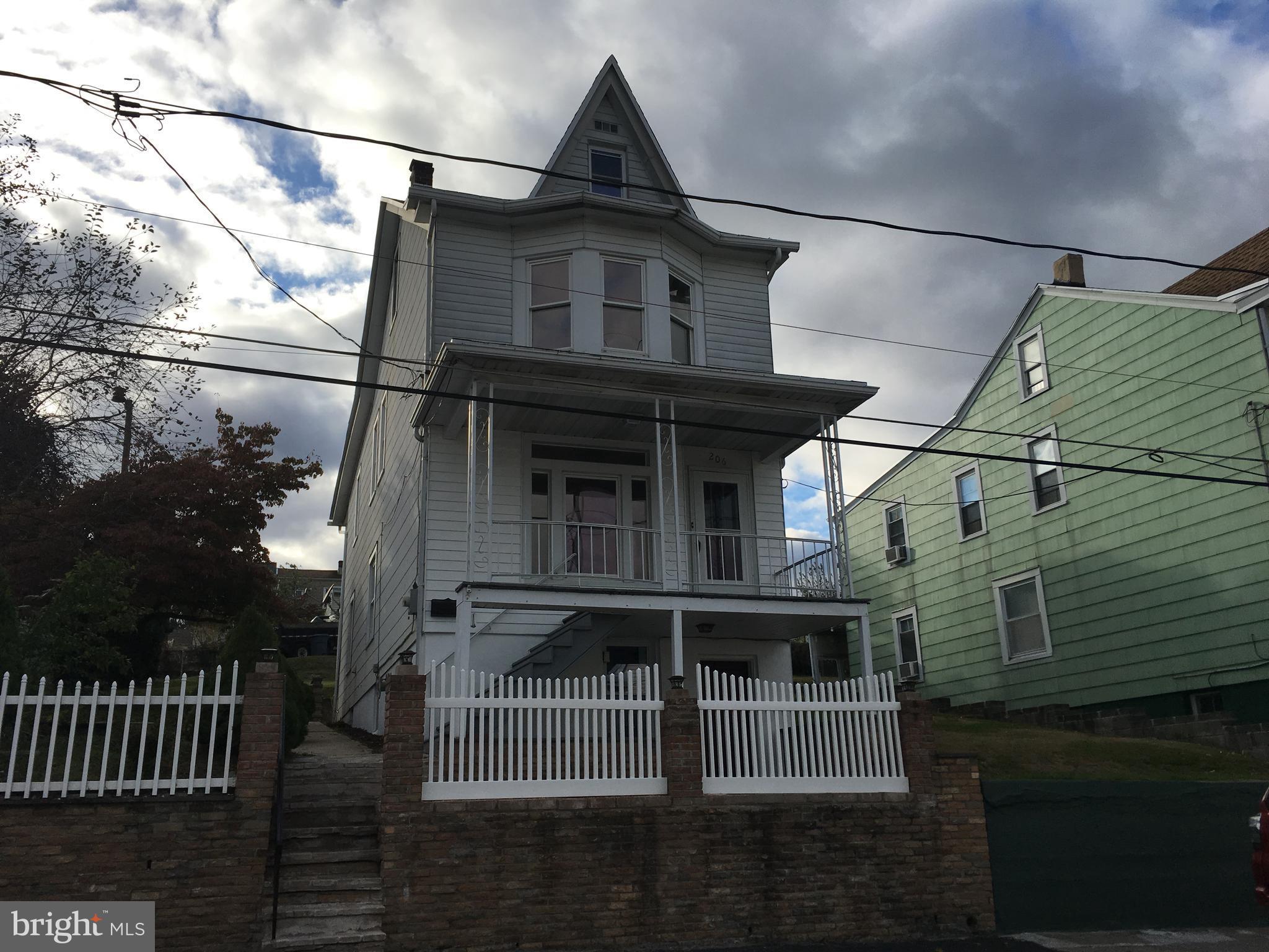 206 ARNOT STREET, SAINT CLAIR, PA 17970