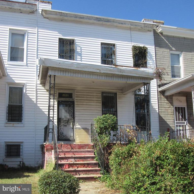 REAL ESTATE AUCTION ON SITE TUESDAY, NOVEMBER 5, 2019 AT 10:30 AM. List price is suggested opening bid only. $2,500 cashier's check deposit required to bid. Please contact listing broker's office for full terms, bidder pre-registration form and property details.