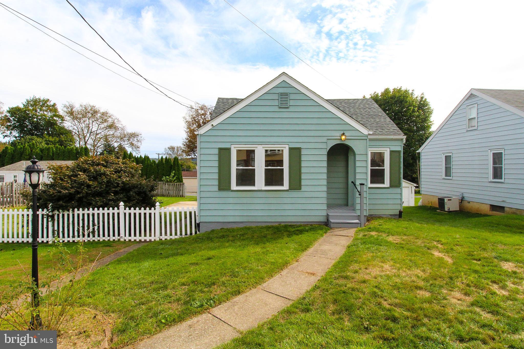 2732 OREGON STREET, EASTON, PA 18045