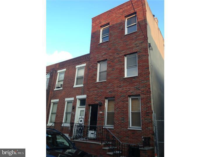 Great for higher-end investor or owner-occupant.One of the most appreciating areas in the city. Spacious home in sought after South center city /Newbold area. 5 min to center city and a couple blocks from Broad St. Minutes from Geno's , famous Victor Cafe and other iconic city places. Hardwood floors, newer kitchen cabinets and stove; washer and dryer; close to great cultural venues, restaurants and nightlife. Currently tenant occupied with well paying tenants at $1,950 / month.  Professionally managed. Can be delivered vacant.