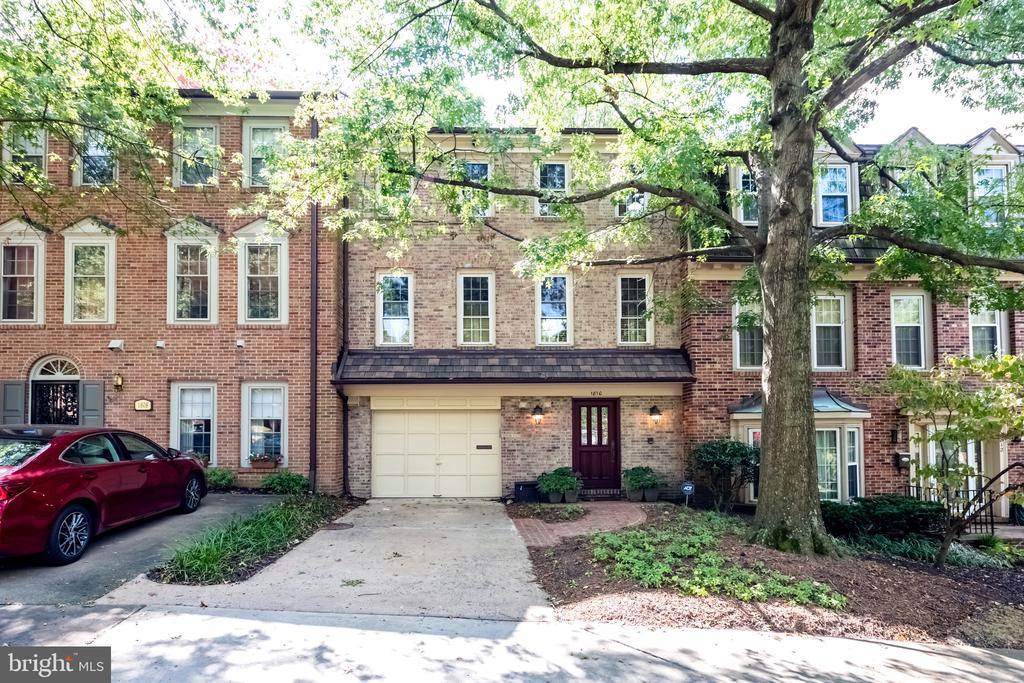 1810 24th St S, Arlington, VA 22202