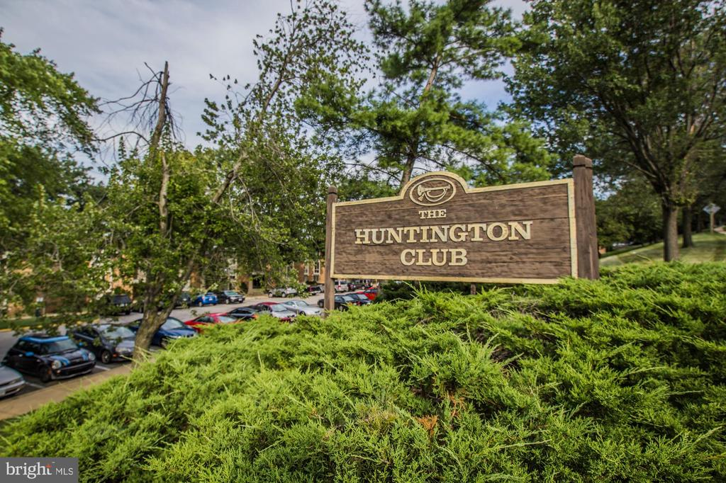 Photo of 2650 Redcoat Dr #92