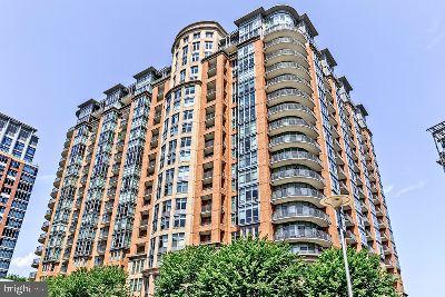 8220 Crestwood Heights Dr #517, McLean 22102