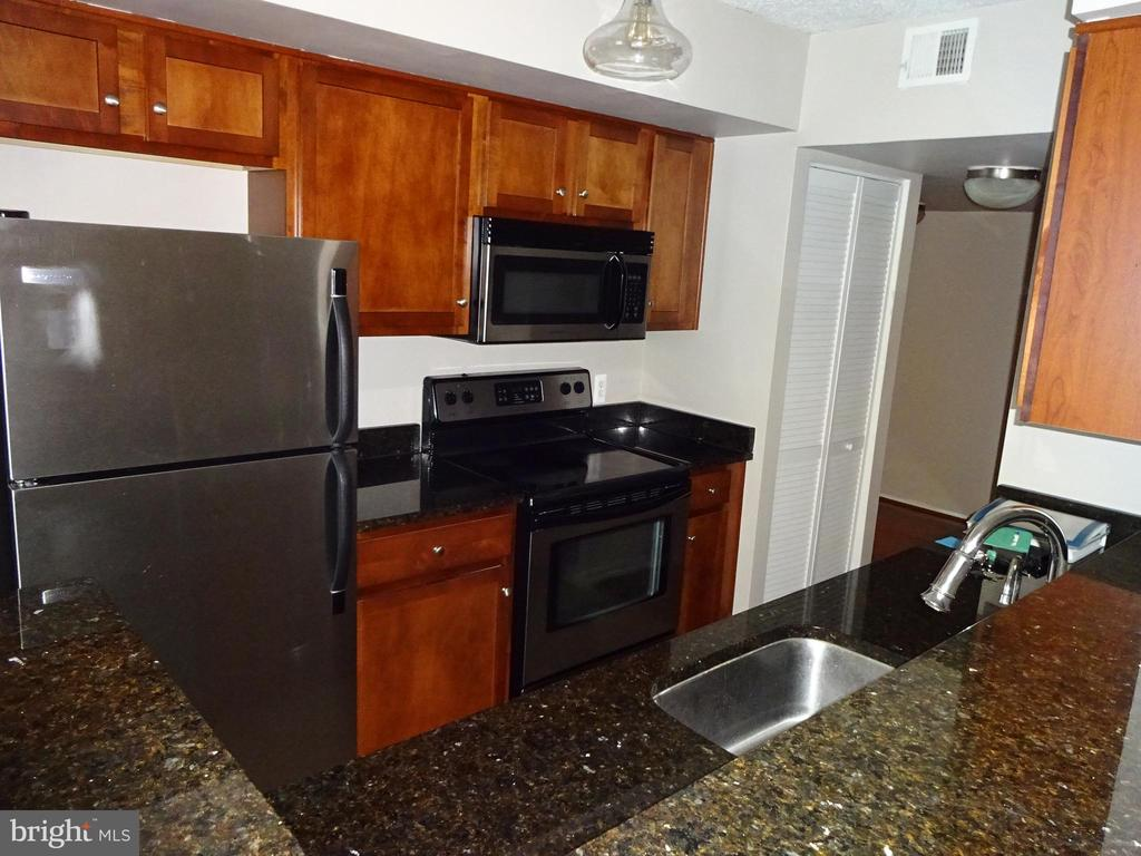 Photo of 1001 N Vermont St #809