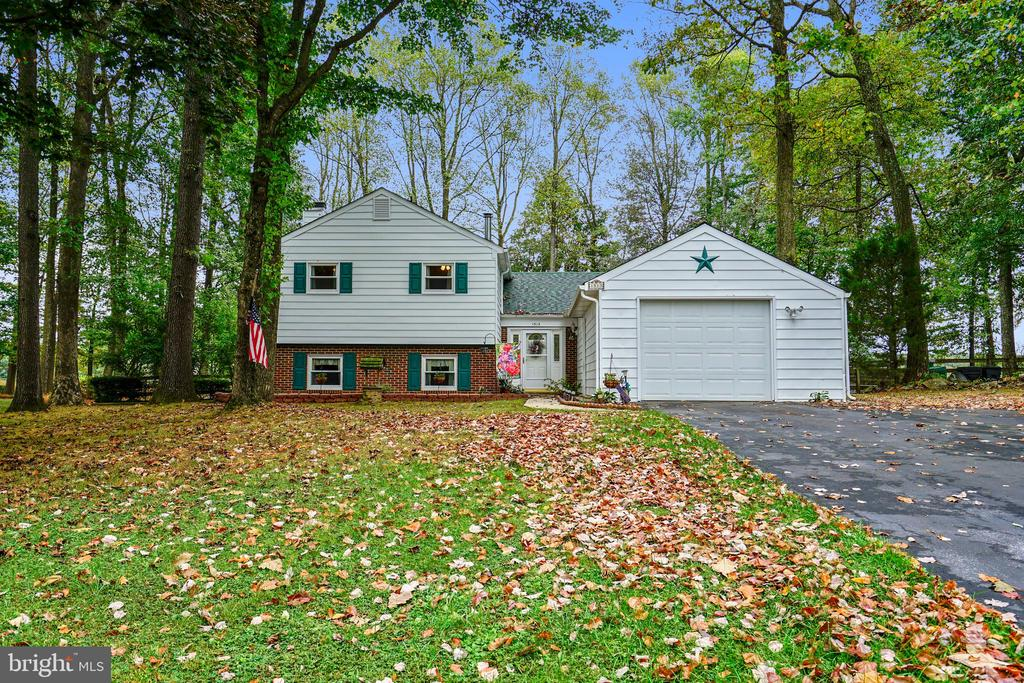 1513 CARRIAGE HILL DRIVE, WESTMINSTER, Maryland 21157, 4 Bedrooms Bedrooms, ,2 BathroomsBathrooms,Residential,For Sale,CARRIAGE HILL,MDCR192056