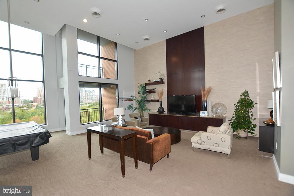 Photo of 2451 Midtown Ave #413