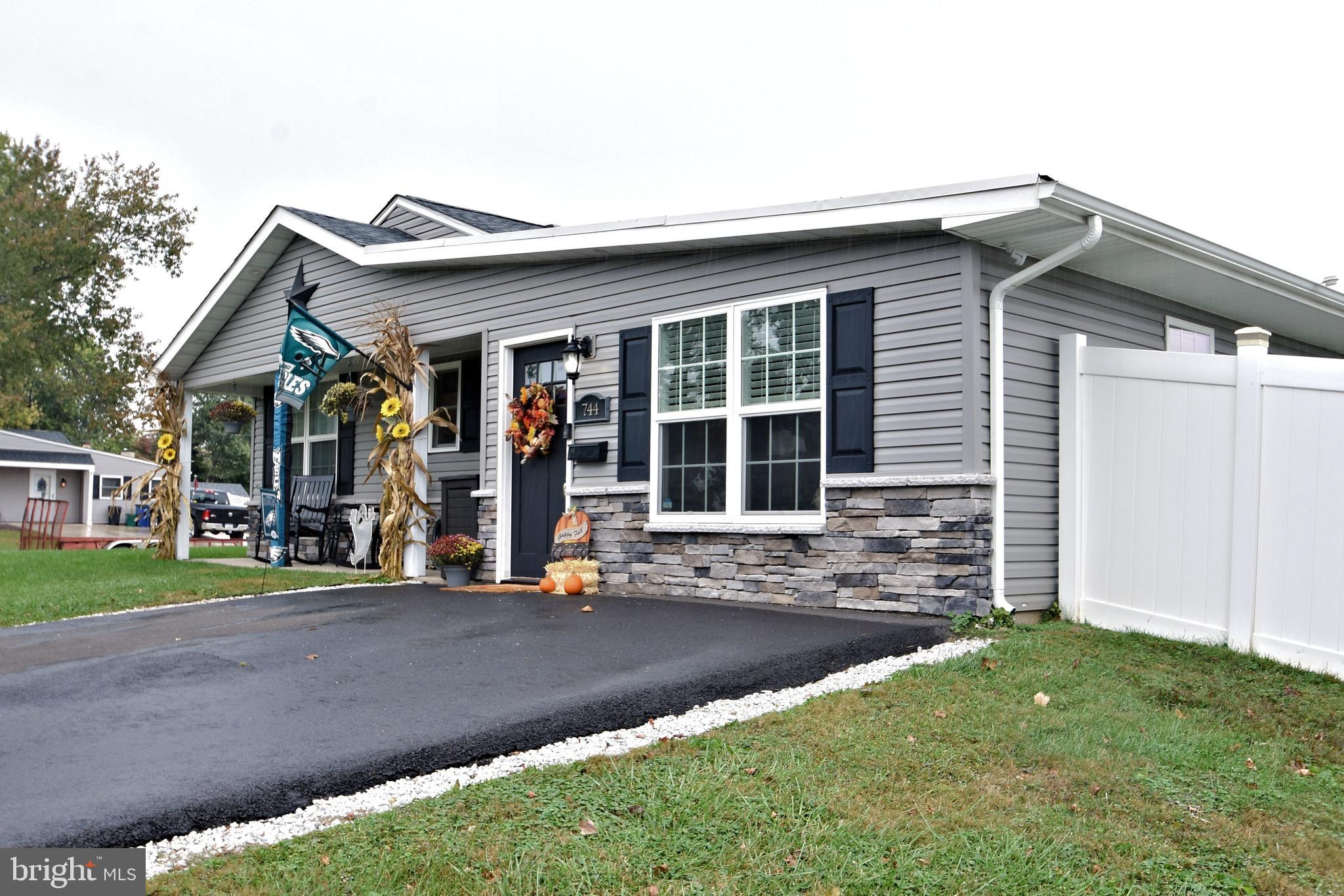 744 S OLDS BOULEVARD, FAIRLESS HILLS, PA 19030
