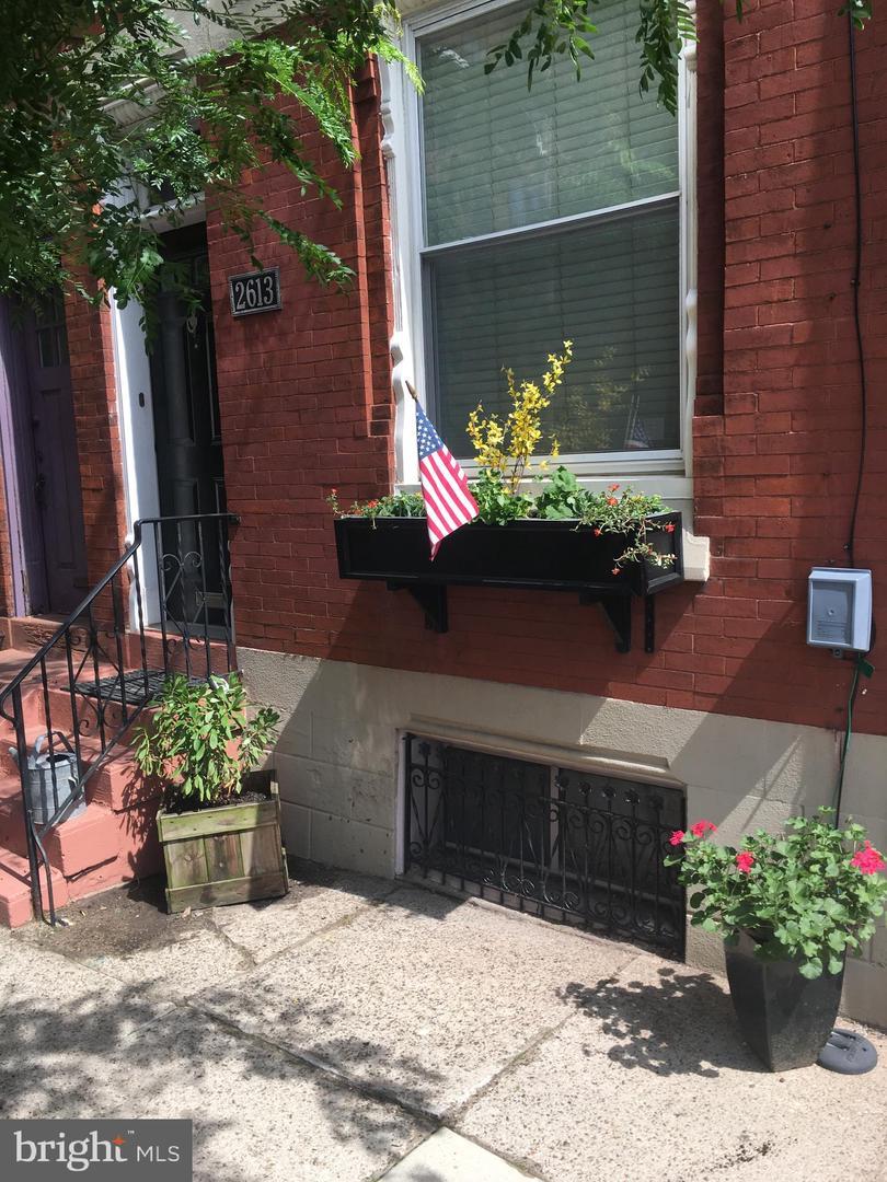2613 Aspen Street Philadelphia, PA 19130
