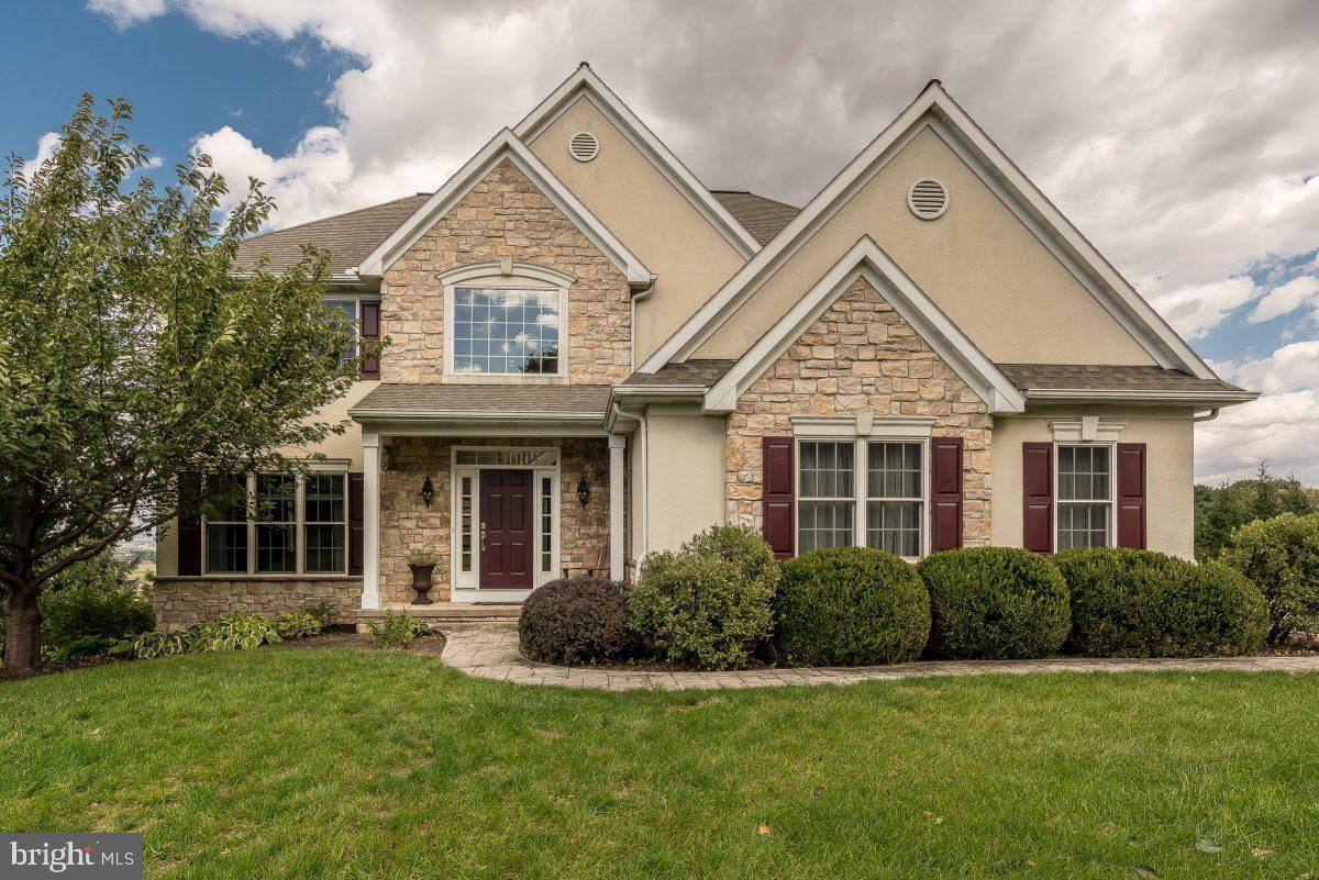 796 CHESTNUT HILL DRIVE, COLUMBIA, PA 17512