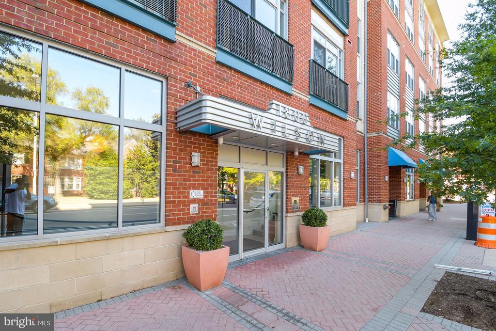 1800 Wilson Blvd #128, Arlington, VA 22209