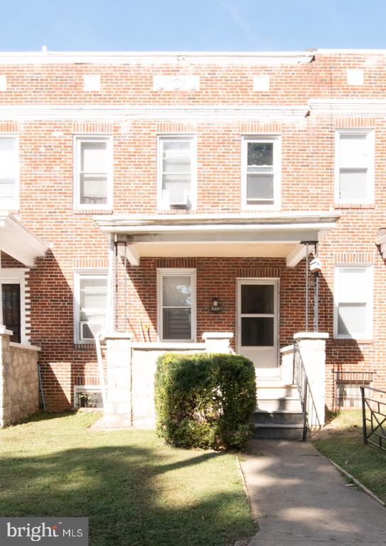 "List price to be opening bid.  Auction to be held on the premises and online simulcast Friday, October 25th @ 12:00pm.  Brick Porchfront Townhome in the ""Callaway-Garrison"" Neighborhood Of Baltimore City.  Improved by a 3 bedroom, 1 full bath porchfront brick townhome. Currently rented for $950 per month.Features include wood type floors, fenced in backyard, washer/dryer, replacement windows and more!"