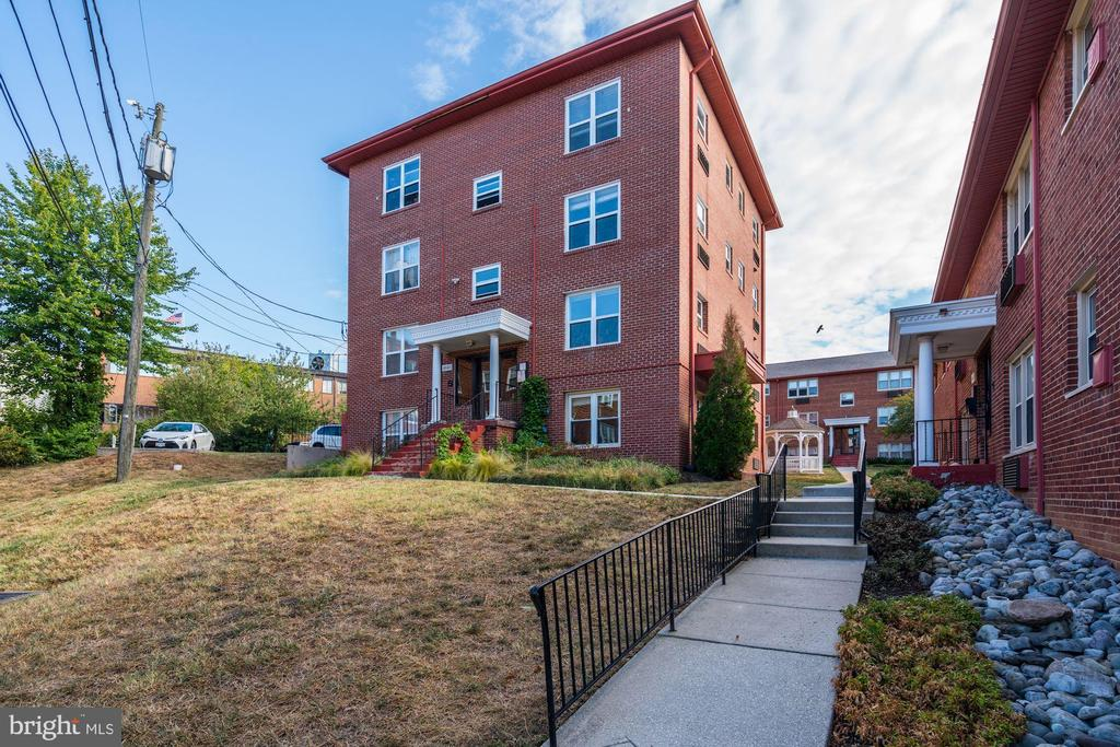 4643 20TH ROAD N # 1, ARLINGTON VA 22207
