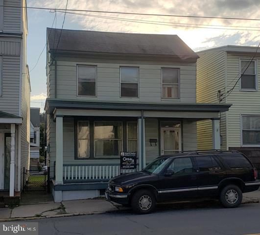 109 MARKET STREET, PORT CARBON, PA 17965