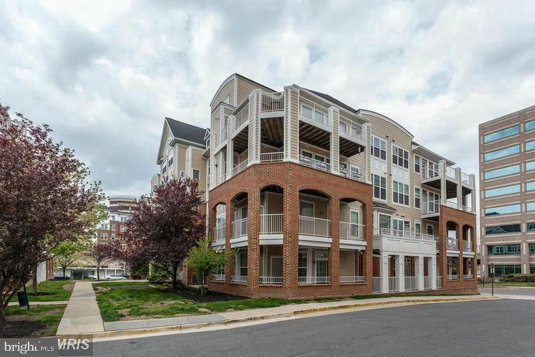 Photo of 2700 Bellforest Ct #105
