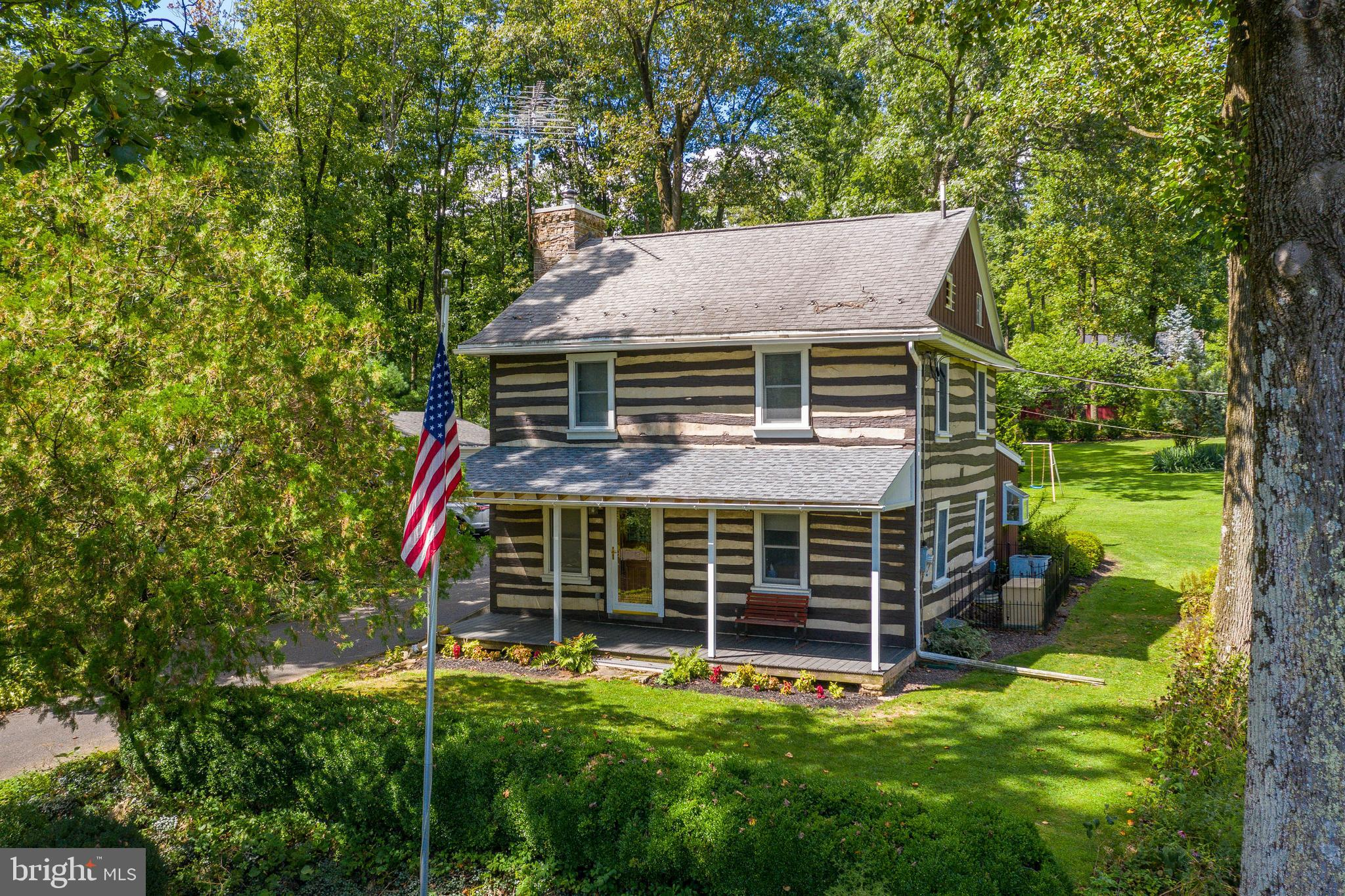 6220 FOUR POINT ROAD, BETHEL, PA 19507