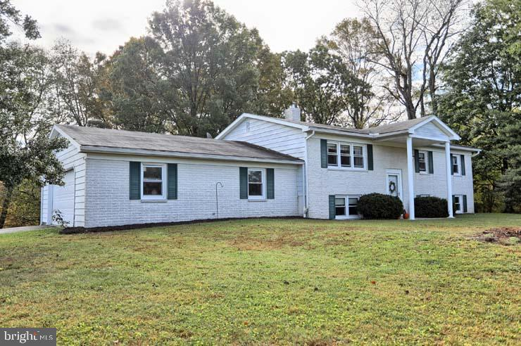 336 SYCAMORE DRIVE, THOMPSONTOWN, PA 17094