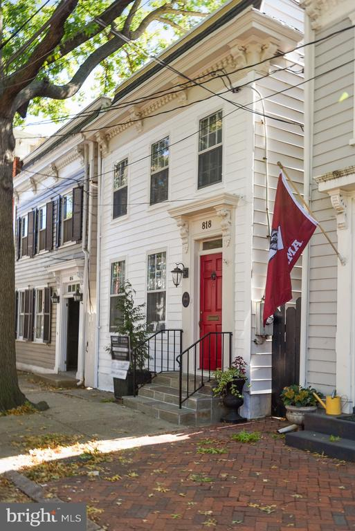 Photo of 818 Duke St