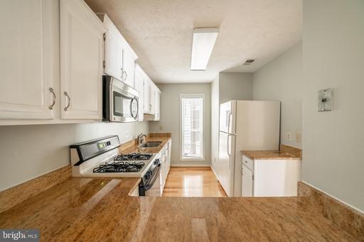 10160 Oakton Terrace Rd