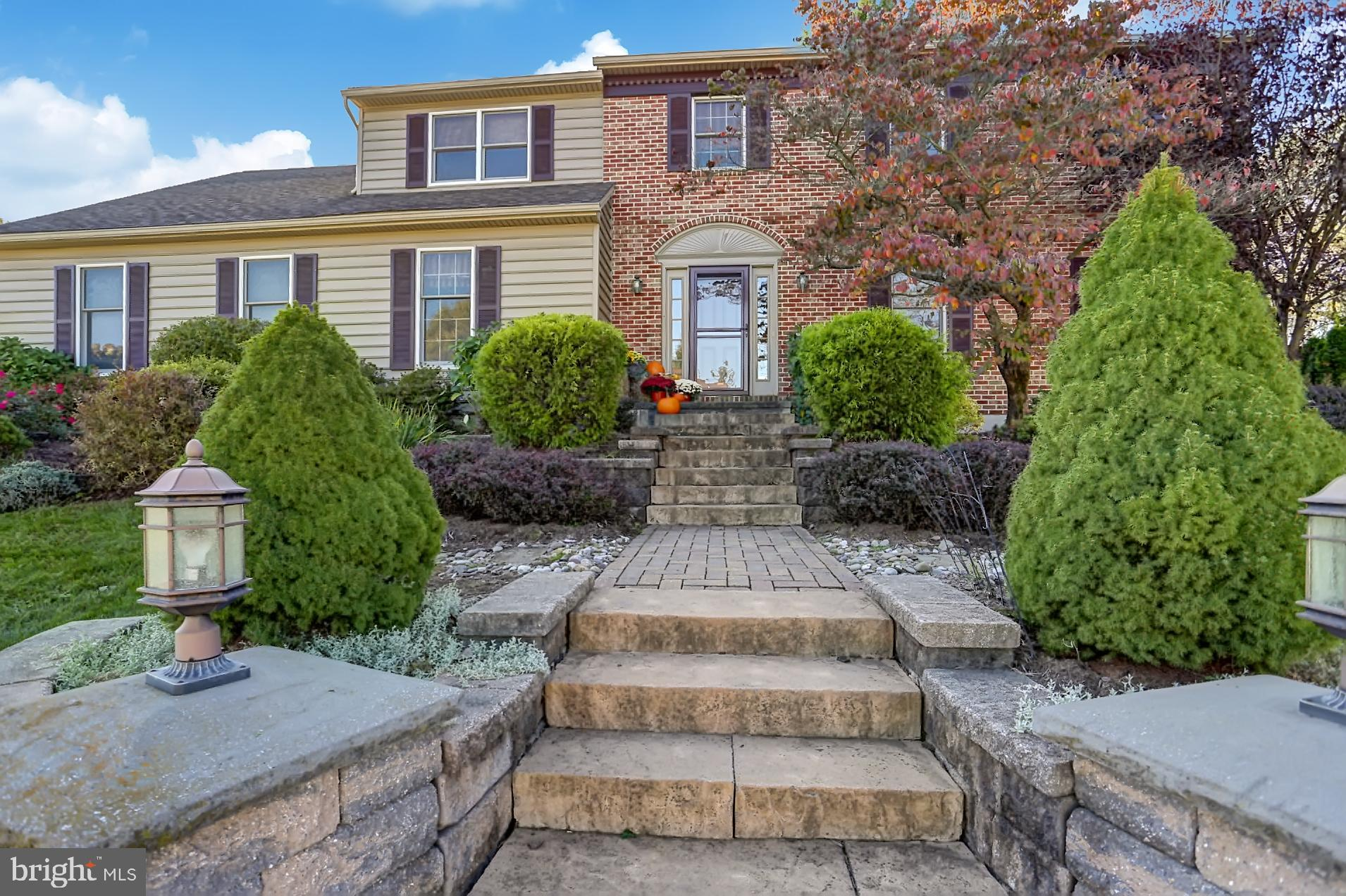 2020 GRING DRIVE, READING, PA 19610