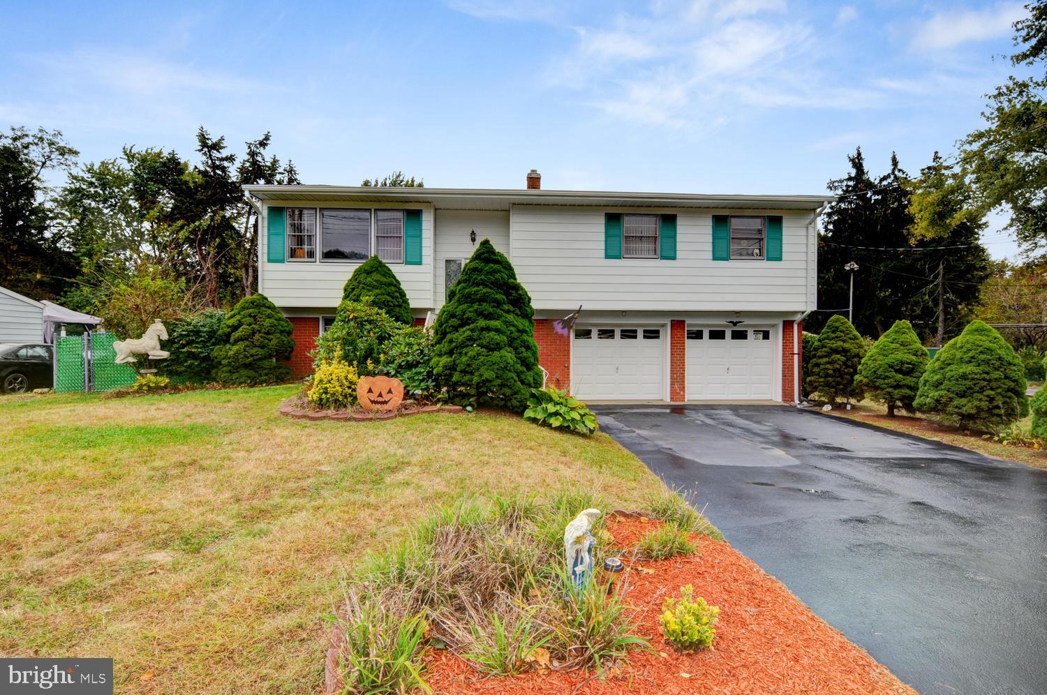 655 OLD STAGE ROAD, SPOTSWOOD, NJ 08884