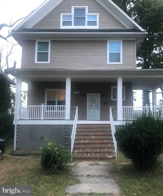 Come see this spacious 5 bedroom home with 3 full baths. A new furnace and water heater has been added. This home is move in ready! Please note** Sellers are packing and boxes are present