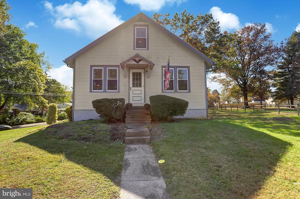 Welcome to this conveniently located 3 bedroom home on over a half acre in the sought after Owen J Roberts School District. This home is located minutes from both Route 100 and 422 and is walking distance to the Coventry Mall and Laurelwood Swim Club.  The eat-in kitchen has been recently remodeled and has oak cabinetry, tile floor and backsplash and granite countertops. The first floor full bath has also  been updated with a tile tub surround, tile flooring and a newer vanity. The second floor of this home features a third bedroom and a storage room and crawl spaces for your storage needs.  The full basement has additional storage and houses the laundry facilities. Other features not to miss are the newer oversized two car detached garage, paved driveway, the large double lot with mature trees, and the covered back porch for grilling, dining or just sitting and enjoying the spacious back yard. Schedule your private tour today and make this gem your own.