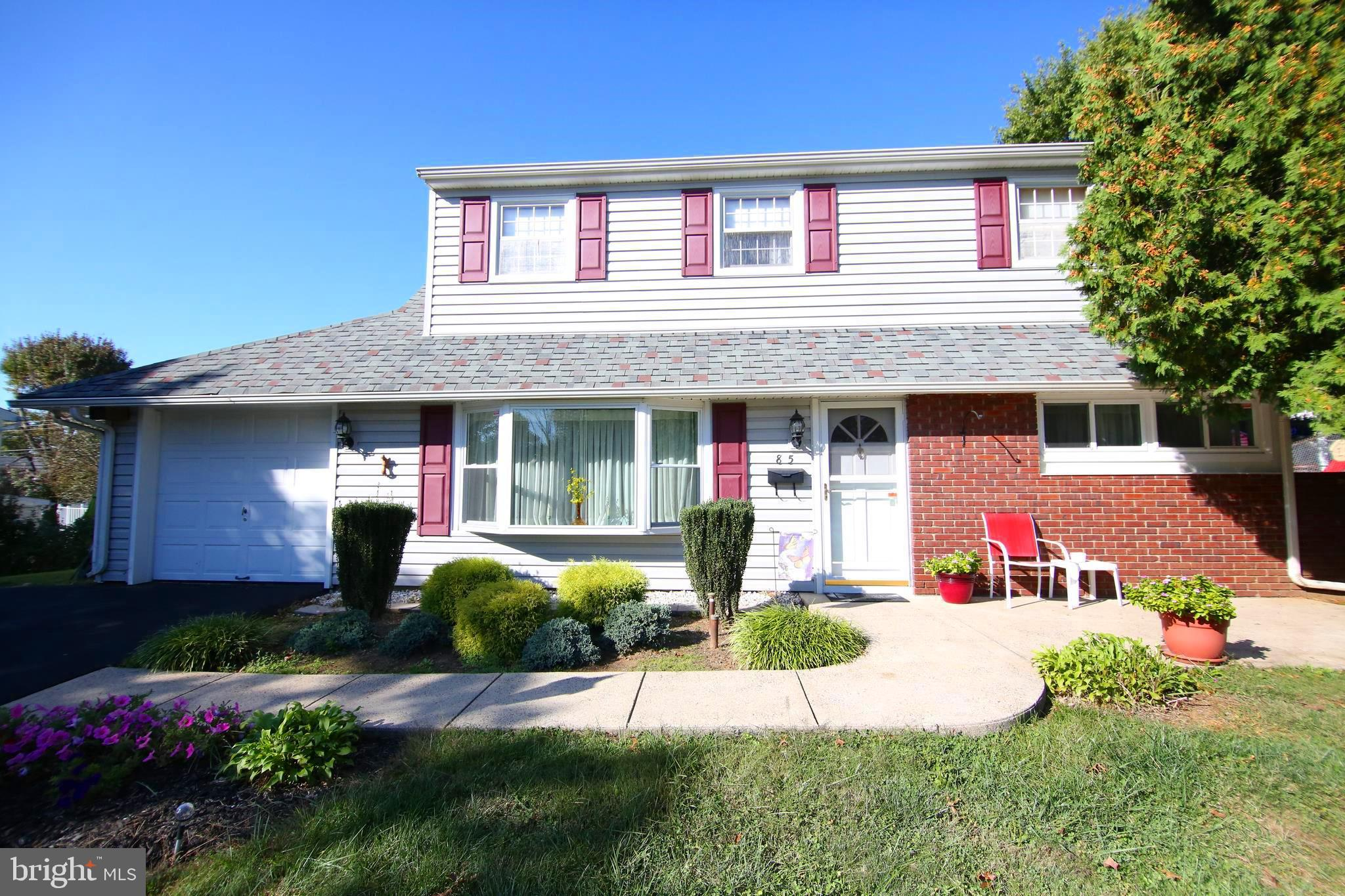 85 COBALT CROSS ROAD, LEVITTOWN, PA 19057