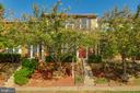 6006 Goldenrod Ct