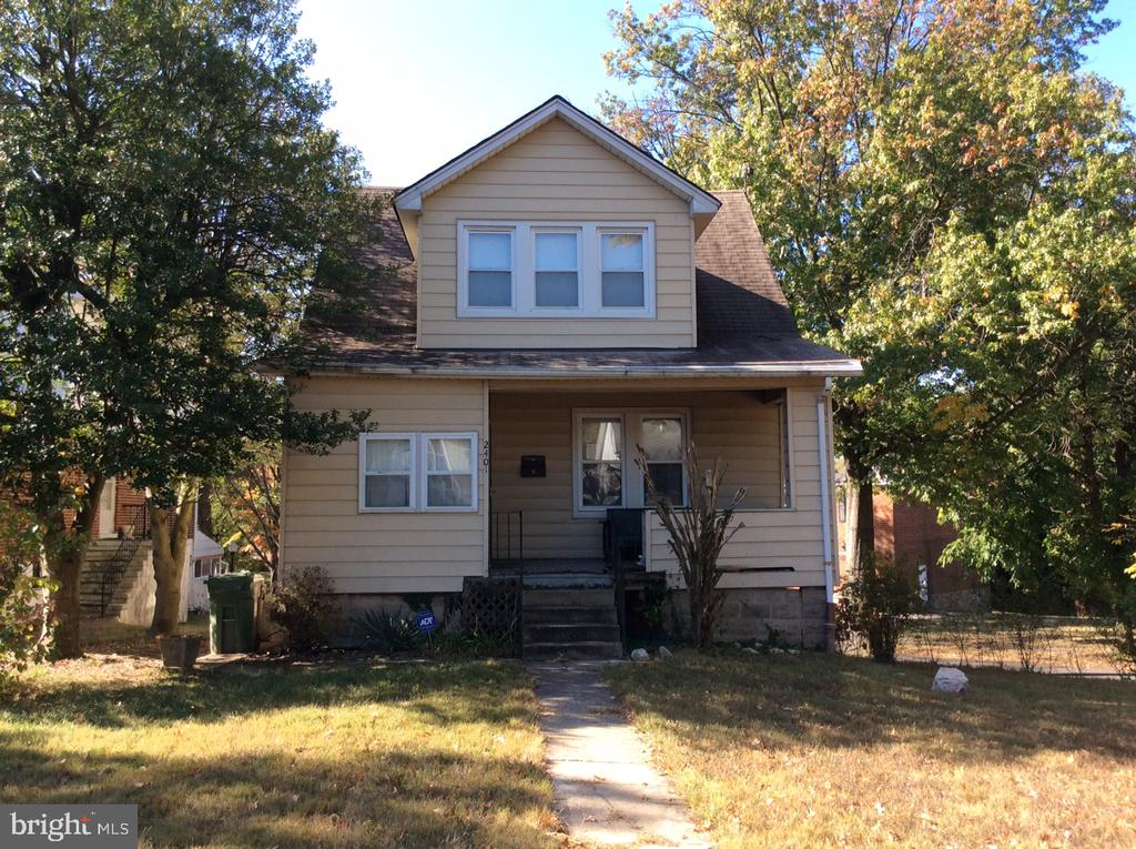 Bank Owned/Foreclosure.  Sold AS-IS. Priced below tax assessed value. Move in and make it your own or rental income opportunity. Large corner lot and 1 car attached garage. Great potential!!