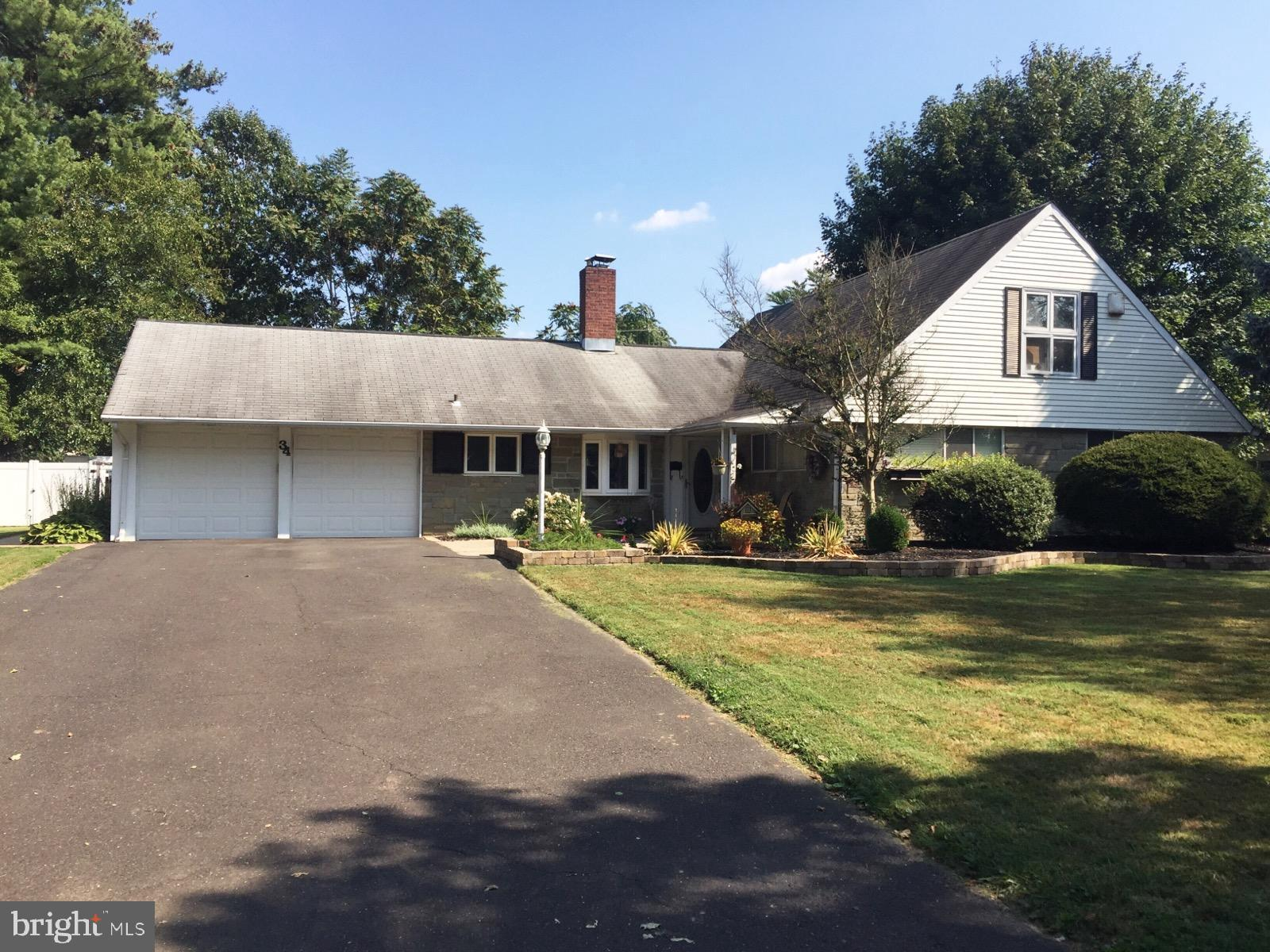 34 RED BERRY ROAD, LEVITTOWN, PA 19056