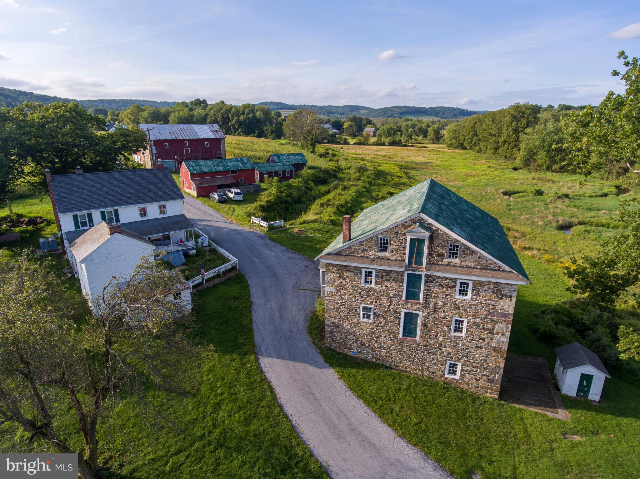 200 BIEBER MILL ROAD, OLEY, PA 19547