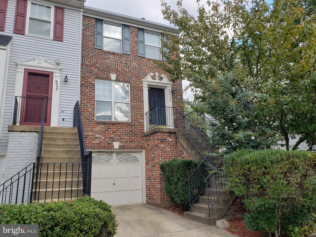 Photo of 8535 Towne Manor Ct