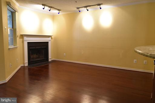 1504 Lincoln Way #312, McLean 22102
