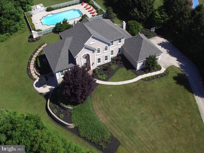 621 WHITETAIL DRIVE, LEWISBERRY, PA 17339