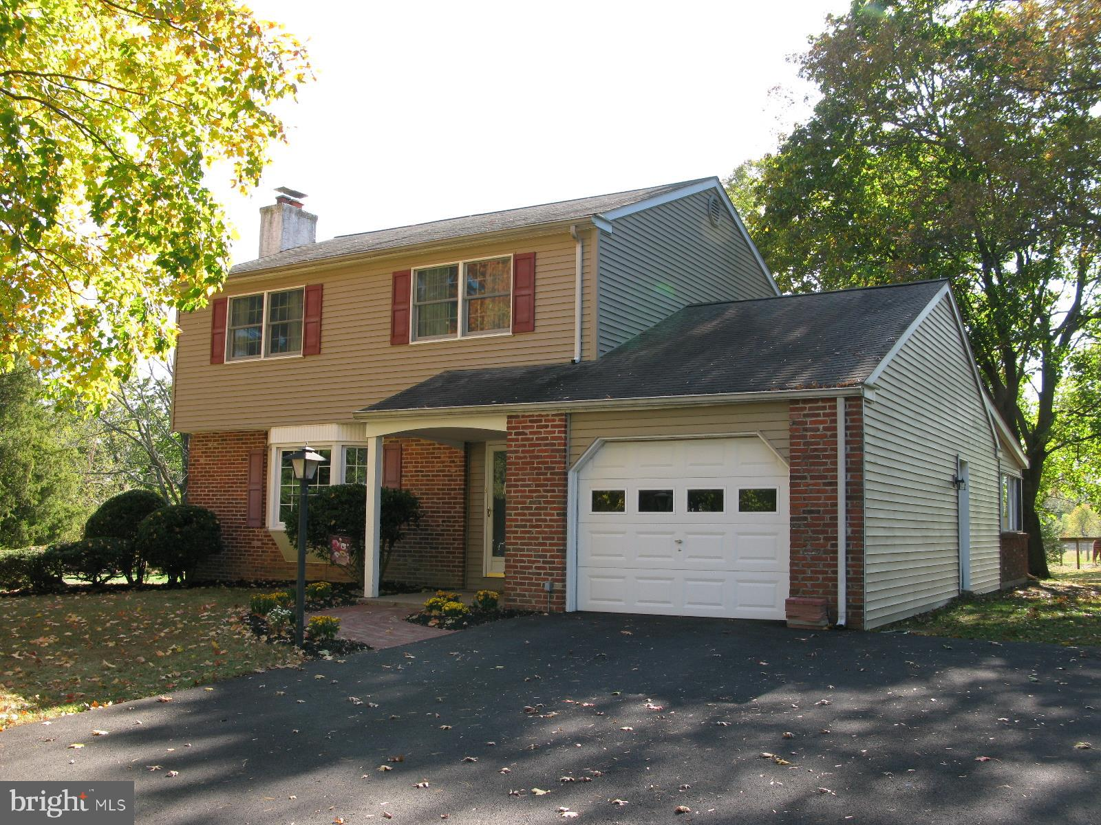 76 VALLEY VIEW DRIVE, FOUNTAINVILLE, PA 18923