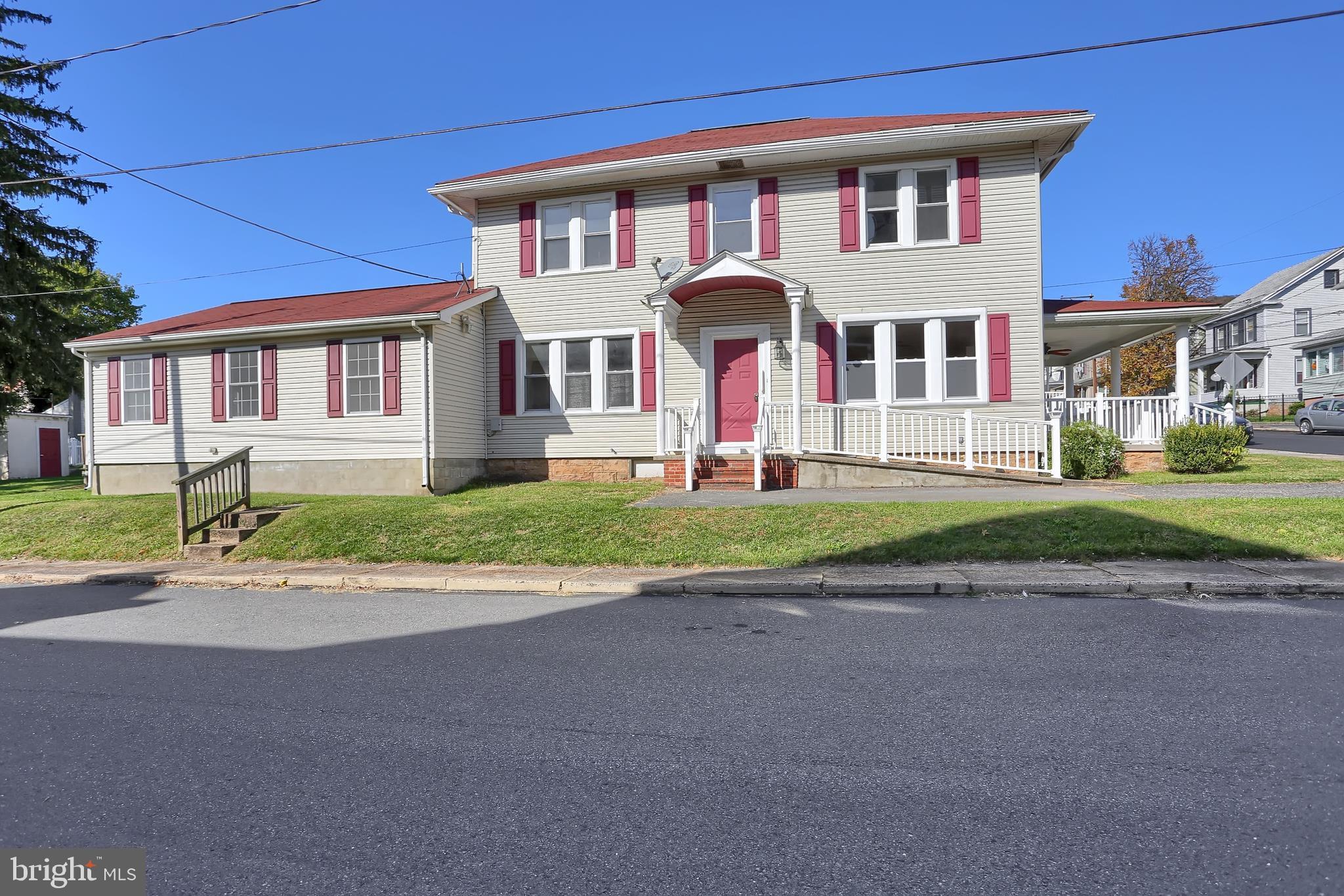 200 EAST STREET, WILLIAMSTOWN, PA 17098