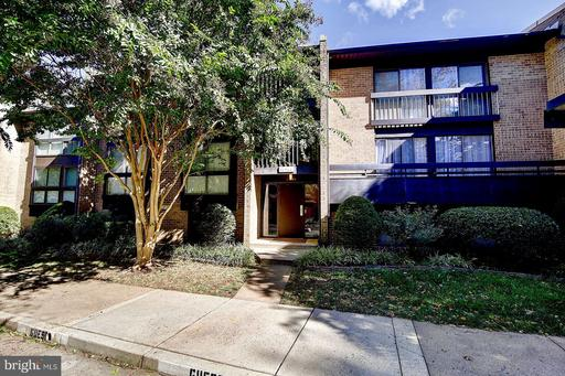 11564 Rolling Green Ct #300