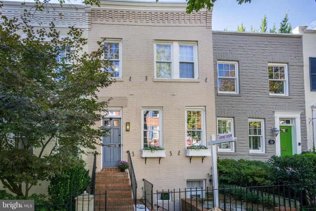 Beautiful Georgetown Home with Deep Garden - Open Sunday 1pm to 4