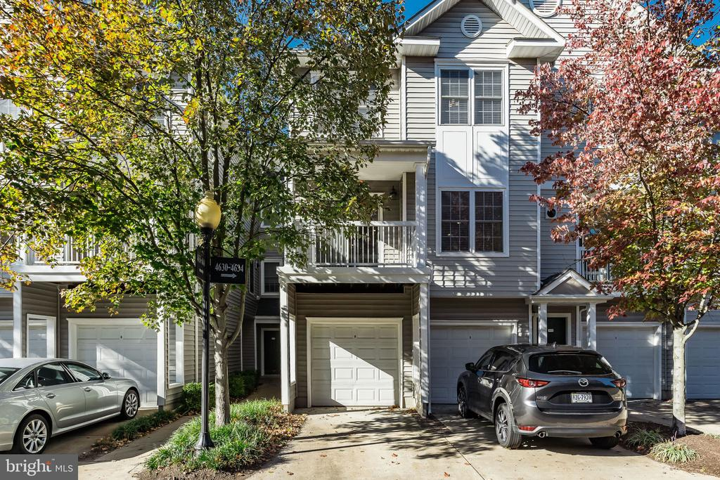 Fairfax Homes for Sale -  Gated,  4636  SUPERIOR SQUARE